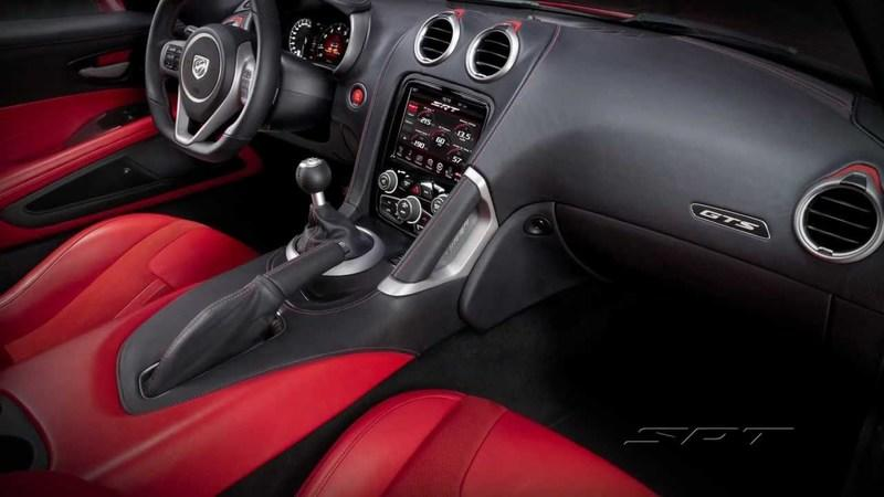 Video: SRT Viper Engineers Get Technical