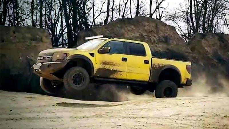 Mercedes G500 4x4² vs. Hennessey's Velociraptor 600: Video