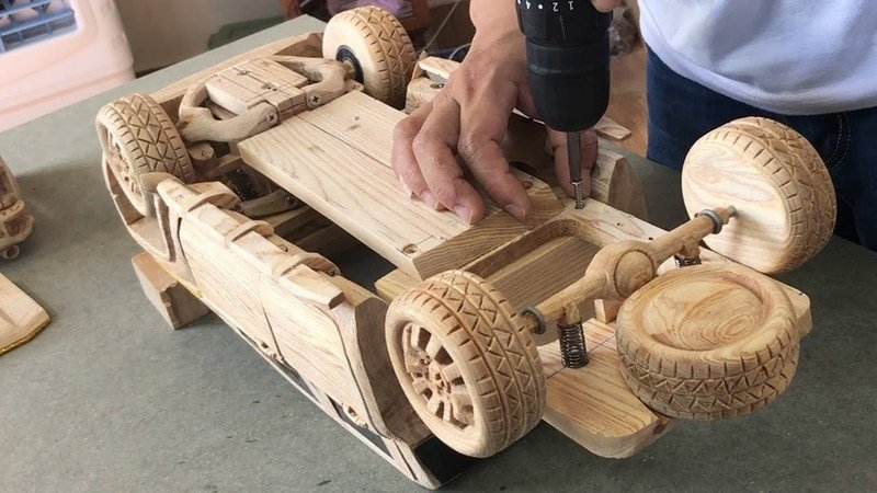 Watch This Video of a Wood-Carved 2021 Chevy Silverado 2500 HD to Get Rid of Your Mid-Week Blues