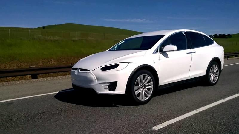2016 Tesla Model X Caught On The Road: Video