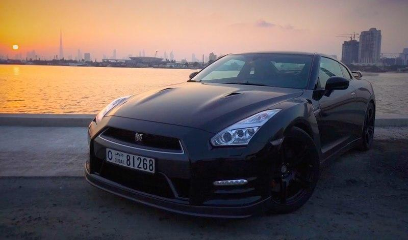 DragTimes Reviews The Nissan GT-R In Dubai: Video