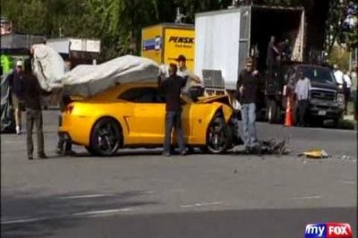 Bumblebee Smashes Into Real Cop Car On Transformers Set