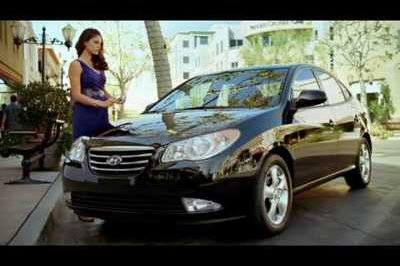 Video: Chicks dig the new Hyundai Elantra