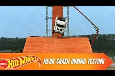 Video: Tanner Foust's record-setting practice jump almost turns into disaster