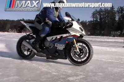 Video: BMW S1000RR on ice