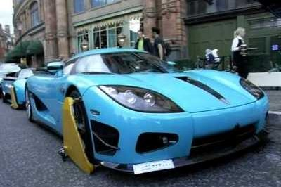 Torquiose Koenigsegg CCXR and Lamborghini Murcielago LP670-4 Super Veloce clamped in London