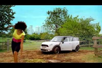 Video: Mini Countryman's funny commercials