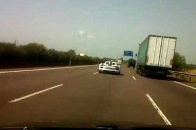 Video: Three Porsche 918 Spyder prototypes caught testing in Spain
