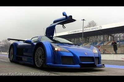 Video: Gumpert Apollo burns up the Monza circuit in Italy