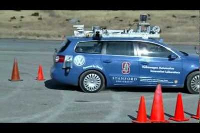 "Autonomous ""Junior"" performs extreme parallel parking"