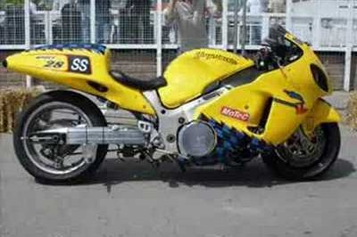 Suzuki bikes ruled at the aintree motorcycle sprint this year