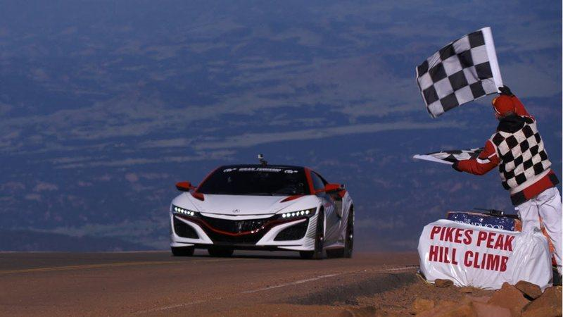 Acura NSX Paces Pikes Peak: Video
