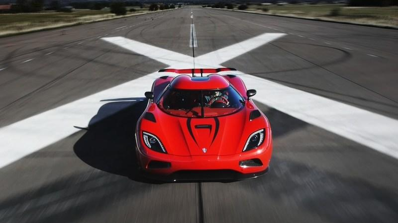 Video: Car and Driver Abroad Pushes the Koenigsegg Agera R to its Limits