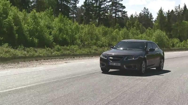 Video: Saab 9-5 sedan goes to the track for a little performance test