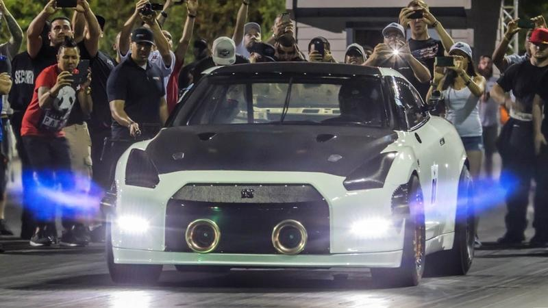 Hunting For A 6-Second Pass In A Nissan GT-R R35: Video