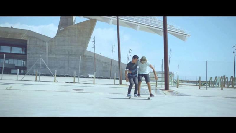 Video: Awesome Smart Fortwo Commercial Includes Some Killer Tandem Skating Tricks