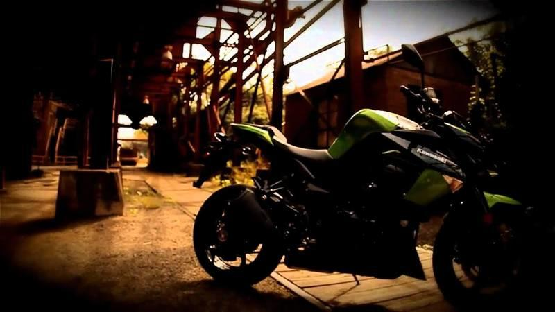 Video: 2011 Kawasaki Z1000 Comes With Nightmares as Standard