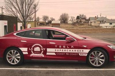 Video: Tesla Model S Breaks Charging-Time Record for a Cross-Country Trip