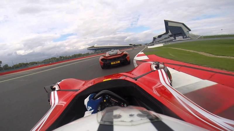 Video: BAC Mono Vs. McLaren P1