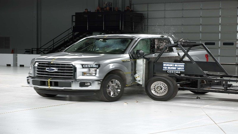 The 2018 F-150 Earns Big With IIHS Safety Ratings – Except For One Thing