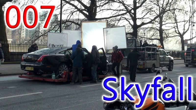 Video: Jaguar XJ-L and Range Rover Evoque on James Bond 007 Skyfall set