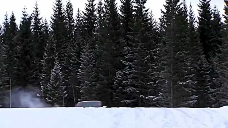 Video: Audi S1 Plays In The Snow