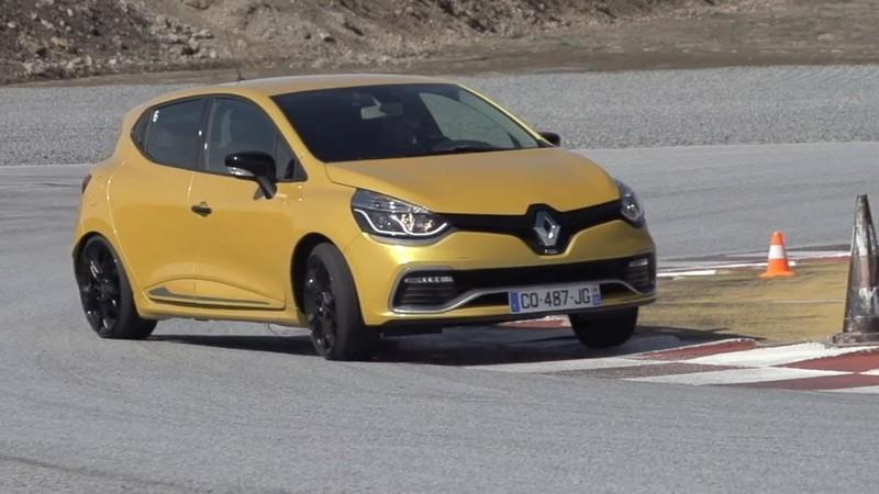 Video: Chris Harris Puts the Renault Clio RS 200 Against the Ford Fiesta ST Mountune