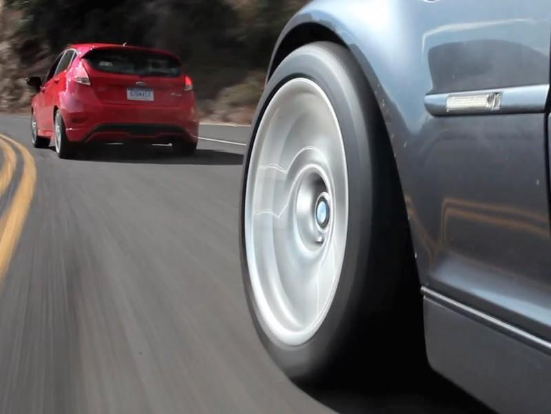 Video: BMW E46 M3 VS Ford Fiesta ST