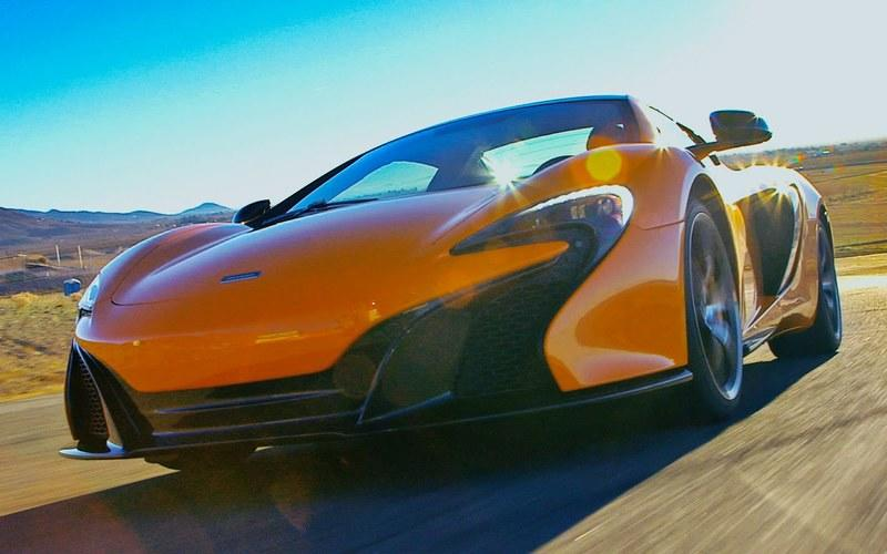 Motor Trend Reviews 2015 McLaren 650S Spider: Video