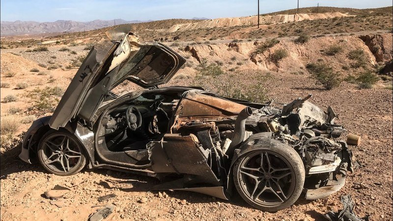 Someone Brutally Destroyed a McLaren 720S and Left it for Dead