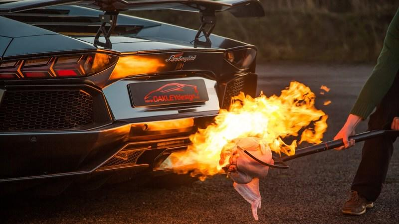 Video: How To Cook Your Christmas Turkey, Using an Aventador