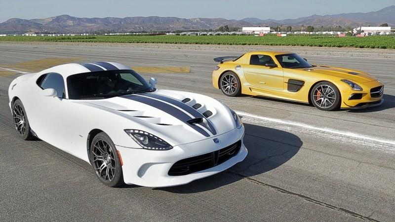 Video: SRT Viper vs Mercedes SLS AMG Black Series