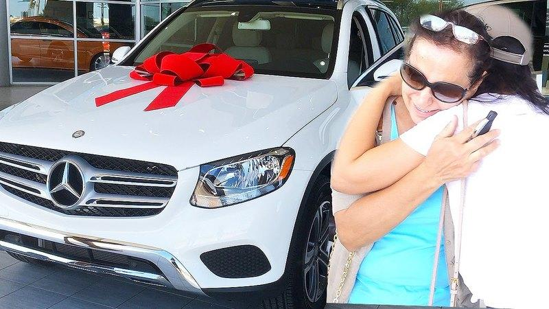 Mother Gets Surprised With A New Car For Mother's Day 2016: Video