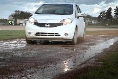 Nissan Developing Self-Cleaning Paint