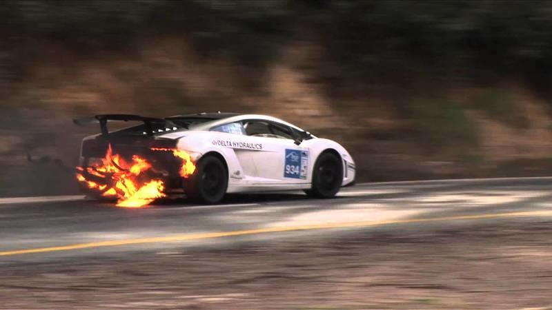 Video: Driver wins race despite his Gallardo being on fire