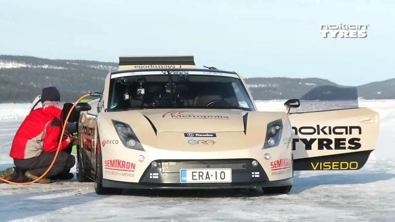 Electric RaceAbout sets new world record on ice