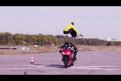 Video: Man Performs Jump Over Two Superbikes