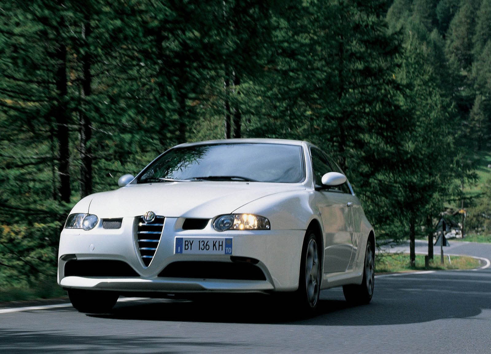 2000 alpha romeo 147 gta picture 220 car review top speed. Black Bedroom Furniture Sets. Home Design Ideas