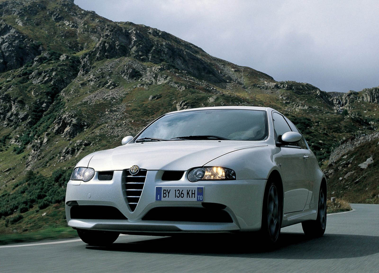 2000 alpha romeo 147 gta picture 221 car review top speed. Black Bedroom Furniture Sets. Home Design Ideas