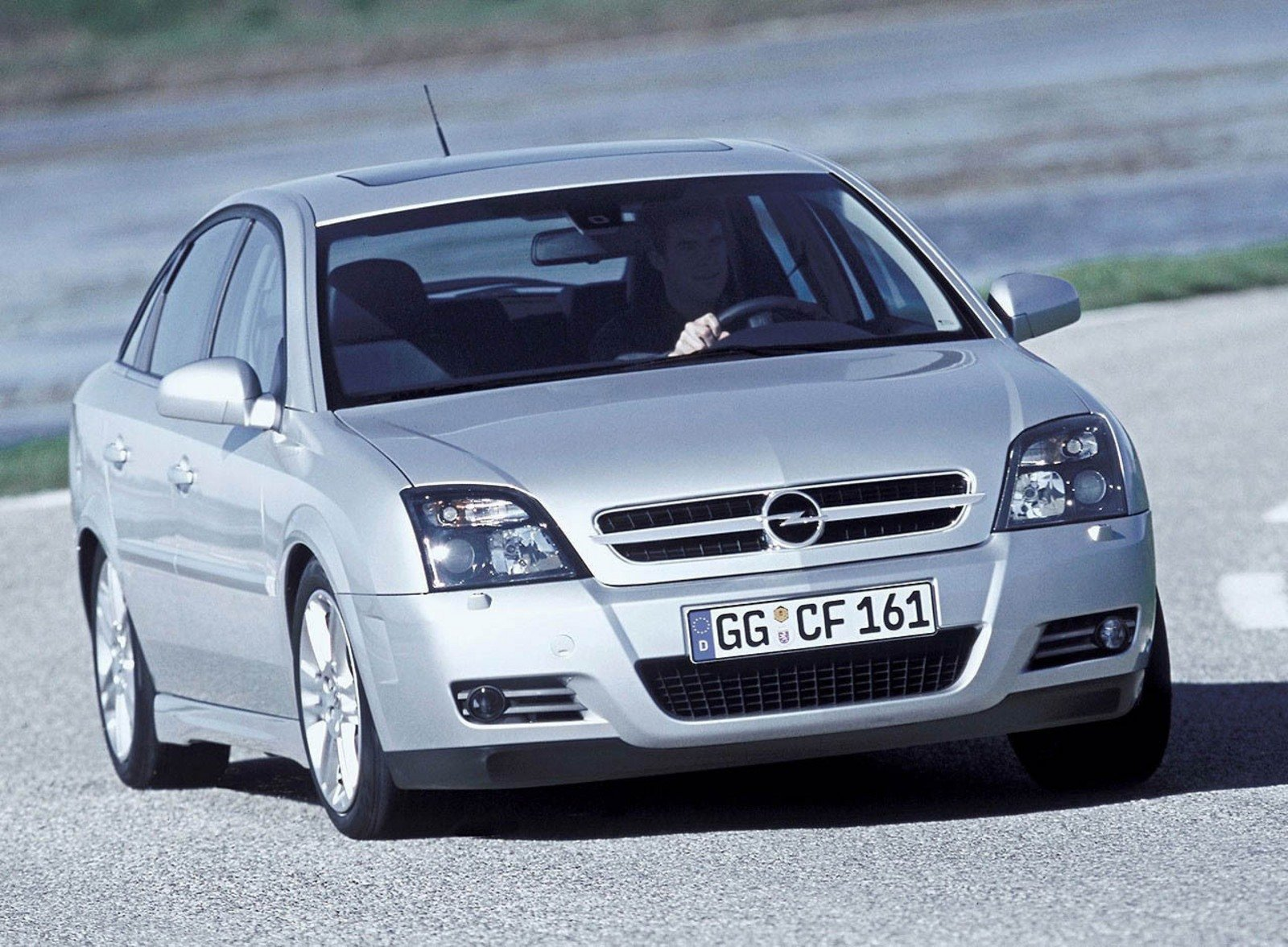 2003 opel vectra gts review gallery top speed. Black Bedroom Furniture Sets. Home Design Ideas
