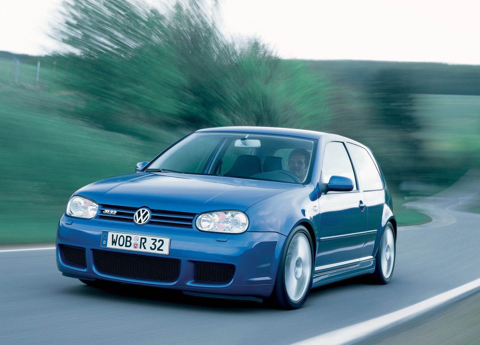 2003 volkswagen golf r32 review top speed. Black Bedroom Furniture Sets. Home Design Ideas