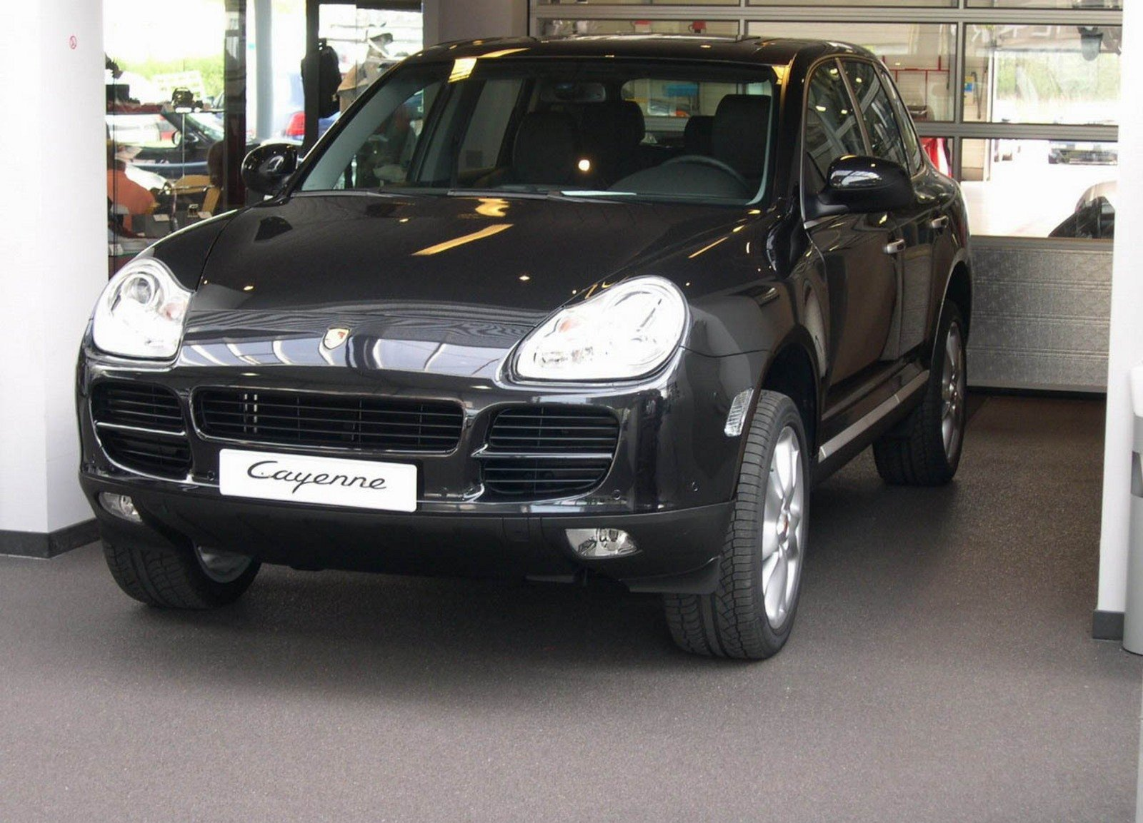 2004 porsche cayenne s review top speed. Black Bedroom Furniture Sets. Home Design Ideas