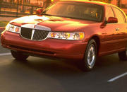 2006 Lincoln Town Car - image 8500