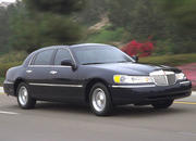 2006 Lincoln Town Car - image 8503