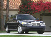 2006 Lincoln Town Car - image 8504