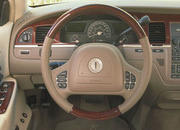 2006 Lincoln Town Car - image 8514