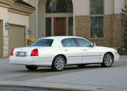 2006 Lincoln Town Car - image 8484