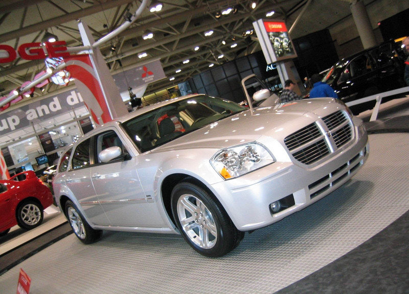 Dodge Magnum Photos Pictures Pics Wallpapers Top Speed