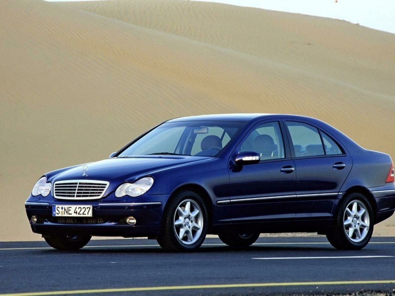 2004 mercedes c class picture 25835 car review top speed. Black Bedroom Furniture Sets. Home Design Ideas
