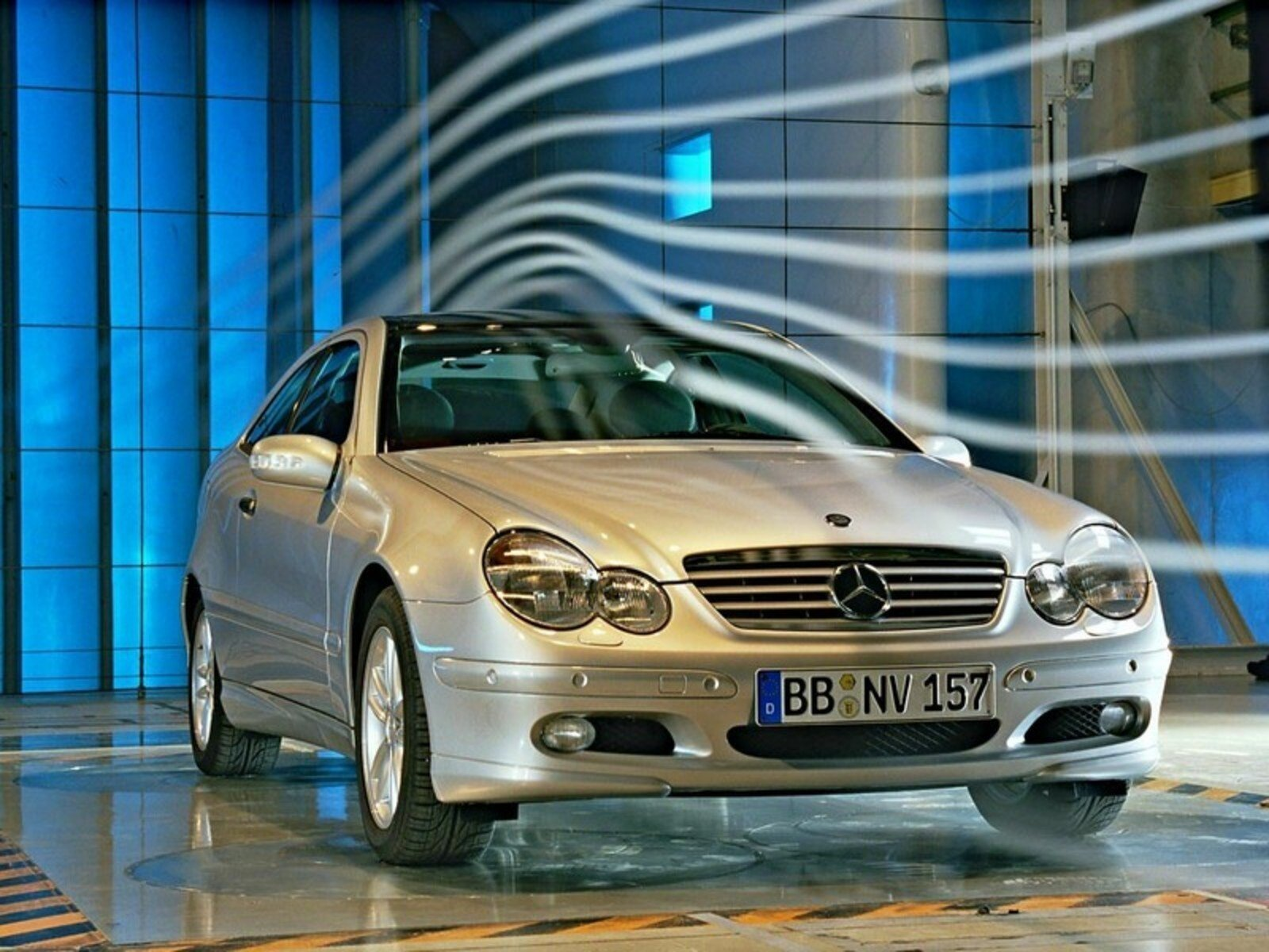 2004 mercedes c class review top speed. Black Bedroom Furniture Sets. Home Design Ideas
